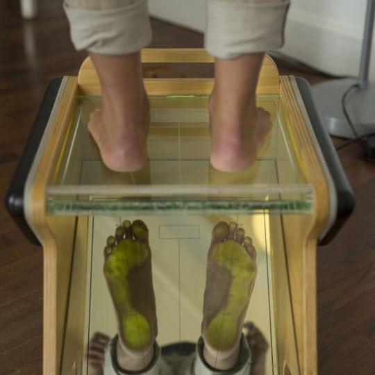 Empreintes-des-pieds-sur-le-podoscope