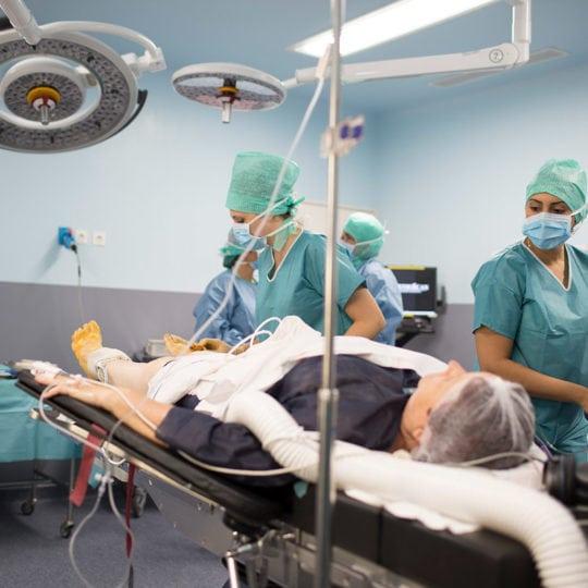 Soins des infirmières de bloc opératoire